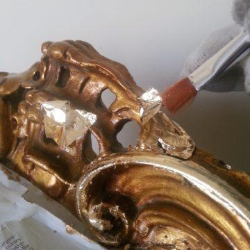 applicazione della foglia oro